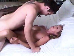 Mature stepmom let the brush 18yo stepson cum inside the brush hush tight pussy